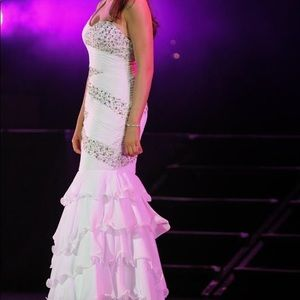 Tony Bowls bright white one shoulder mermaid